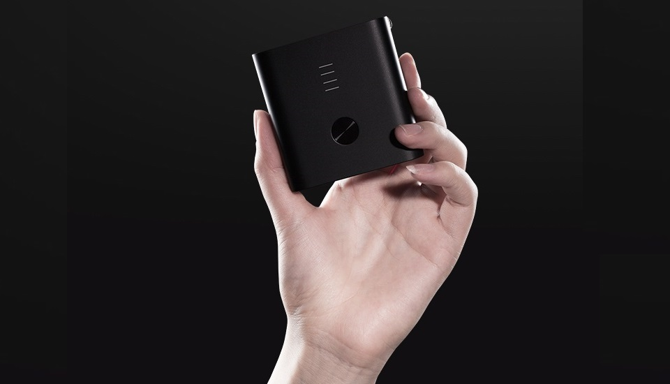 Зарядное устройство с Power Bank ZMI APB01A (5200 mAh) крупным планом