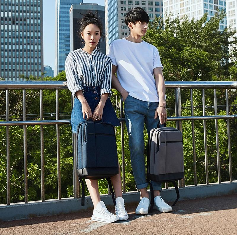 Рюкзак RunMi 90 Points Classic Business Backpack девушка с парнем